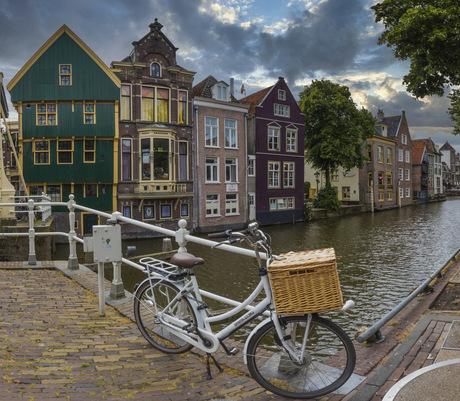 Zijdam met fiets