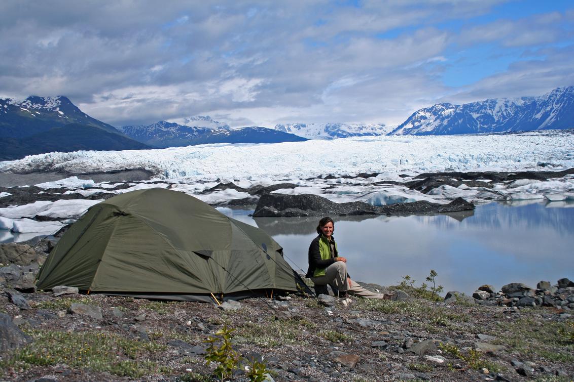 Adembenemend mooie overnachtingen op een gletsjer in Alaska, the last Frontier - Slapen in een tentje op de gletsjer....het kost even wat moeite om er te komen, maar dan heb je ook wat!  Gelukkig kun je dan 24 u. per dag genieten - foto door Thurkowgoeswalkabout op 30-07-2015 - deze foto bevat: natuur, landschap, avontuur, wandelen, reisfotografie