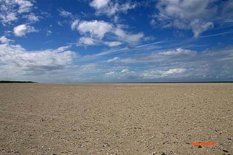 Een leeg strand