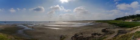 panorame van het groene strand