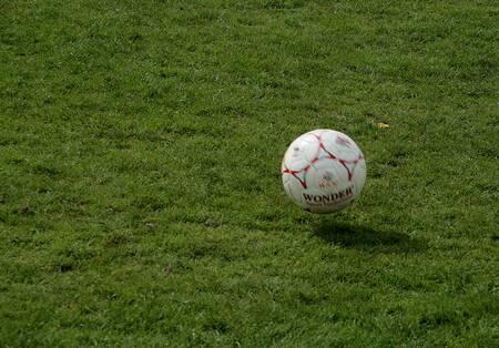 Wonder........ - Wonder.......... Treffend dit toen ik het op de lap zag. Tijdens een sportdag gefotografeerd, op Koninginnedag- alla koning dag.   Wacht de react - foto door jenny42 op 02-05-2013 - deze foto bevat: sport, voetbal, wonder, koekange, jenny42., oranje dag