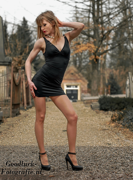 Justyna - Uit het archief van model Justyna.  [url=http://www.goodluck-fotografie.nl/]goodluck-fotografie.nl[/url] - foto door goodluck op 25-12-2018 - deze foto bevat: vrouw, kleur, natuur, portret, model, bos, flits, stoer, haar, fashion, meisje, lippen, beauty, schoenen, sfeer, pose, glamour, kapsel, belichting, expressie, jurk, mode, fotoshoot, kleding, romantisch, locatie, bokeh, styling, fashionfotografie