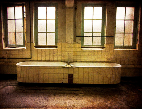 bath for two?