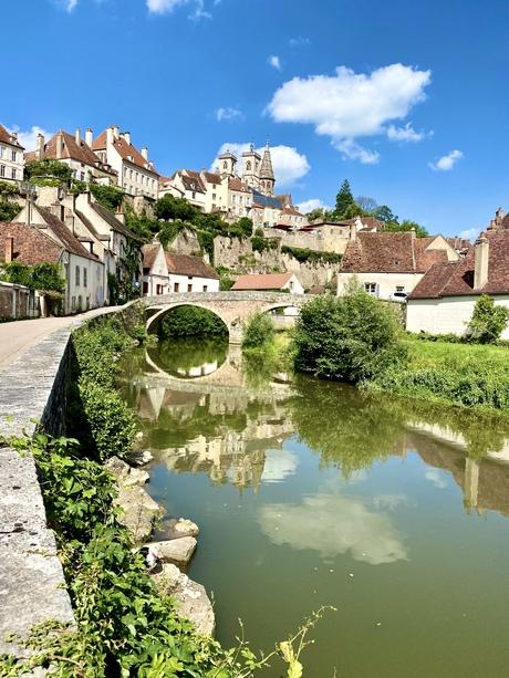 Zomaar een Frans dorpje.  Semur en Auxois