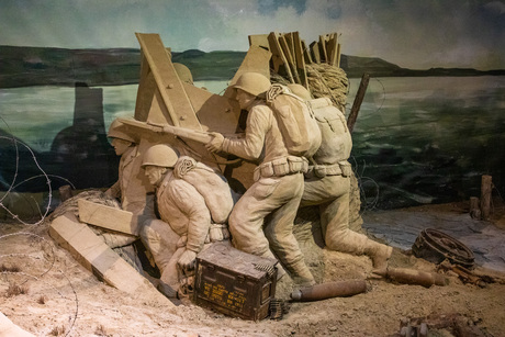 Tweede Wereld Oorlog in zand verbeeld.