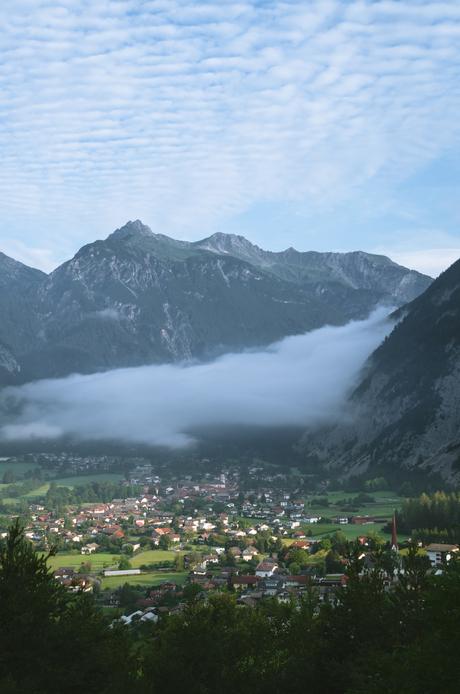 Dorpje in de wolken