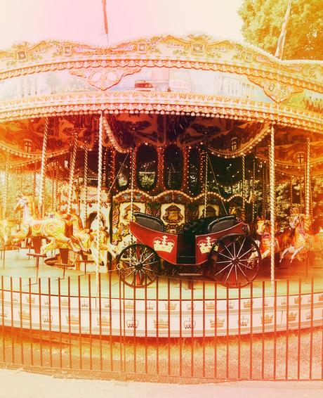Merry-go-round in Kensington gardens