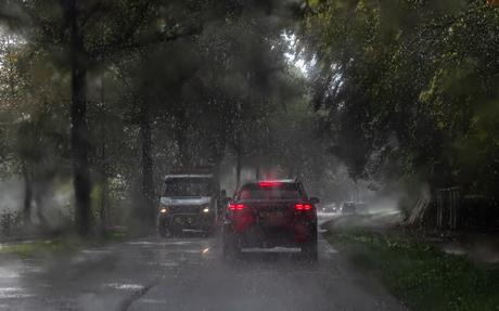 Door de regen
