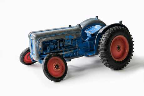 Mijn oude speelgoed tractor