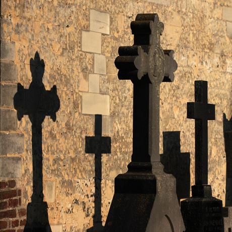 Limbricht - shadow on the churchwall