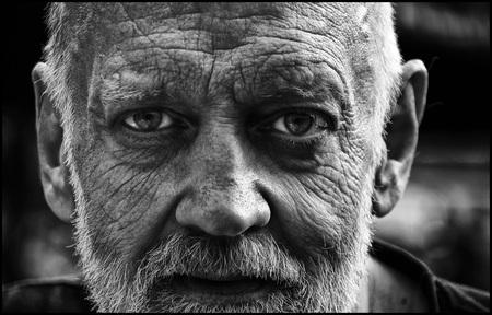 Dark side - - - foto door etiennec op 26-09-2016 - deze foto bevat: mensen, zwartwit, straatfotografie