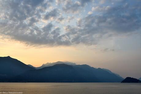Sunrise at Como Lake