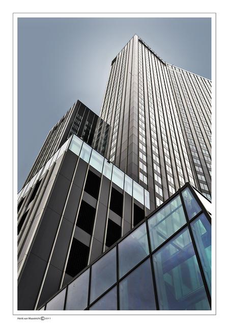 Rotterdam-11 - Dit zou de maastoren kunnen zijn maar zeker weten doe ik het niet. - foto door henkvanm13 op 30-06-2011 - deze foto bevat: rotterdam, architectuur, rotjeknor, henkvanm13