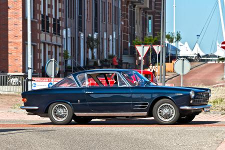 FIAT 2300S Coupé 1966 (3676) - 1966 FIAT 2300S Coupé Ghia 2a Series (1965-1968)  [url]https://www.flickr.com/photos/photiste/48512554737/in/photolist-2gUTwnx[/url] [url]https:// - foto door clay op 01-03-2021 - deze foto bevat: auto, oldtimer, straatfotografie, fiat, evenement, 1966, clay, vintage transport, lelystad - nederland, italiaans oldtimer, fiat 2300s coupé ghia 2a series (1965-1968), fiat 2300s coupé