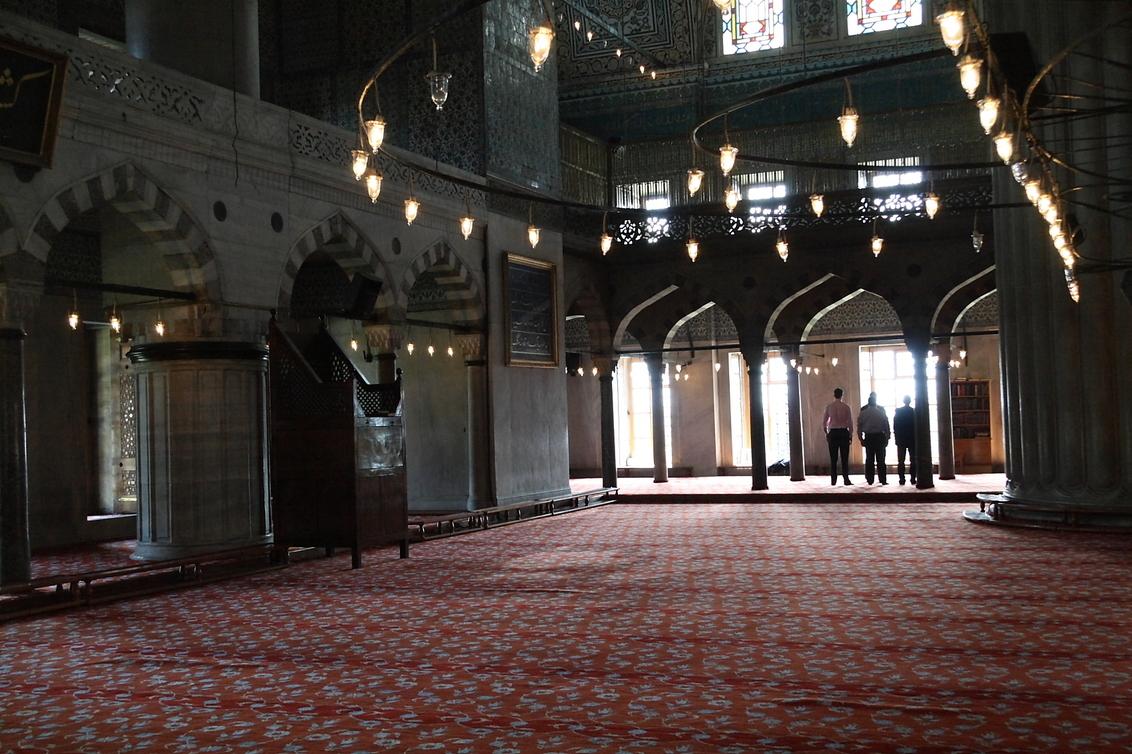 Blauwe Moskee - Blauwe Moskee Istanbul - foto door albertr op 07-08-2010 - deze foto bevat: bidden, istanbul, islam, Blauwe Moskee