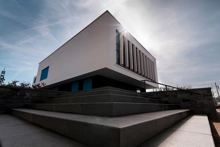 Gemeentehuis Nieuw-bergen - - - foto door rakus op 08-04-2018 - deze foto bevat: abstract, licht, lijnen, architectuur, gebouw, urban exploring, Tokina 16-28, nikon d750
