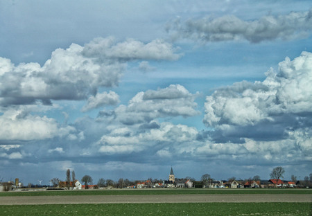 IMG_15562 - Ergens in ons mooie landje, helaas weet ik niet meer waar. Foto is bewerkt in PS Elements. - foto door jmtharte op 19-05-2016 - deze foto bevat: lucht, landschap, dreigend
