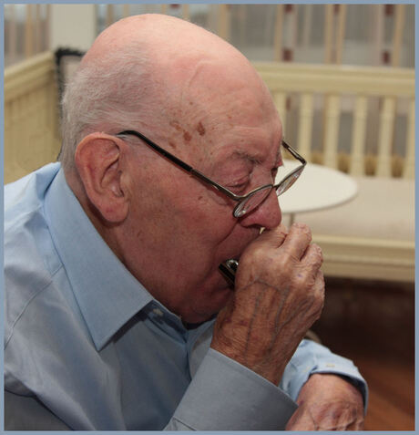 een vrolijke 90 jarige