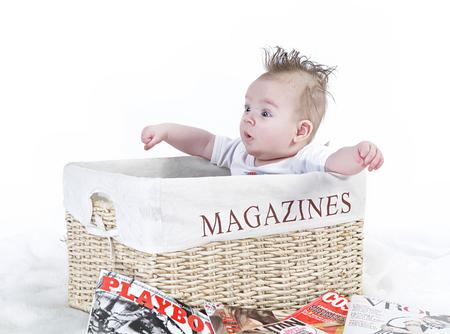 magazines - opname kleine jongen X - foto door boldy_zoom op 11-05-2010 - deze foto bevat: klein, portret, kind, baby, jongen, hoed, fun, magazine, jeugd, close up