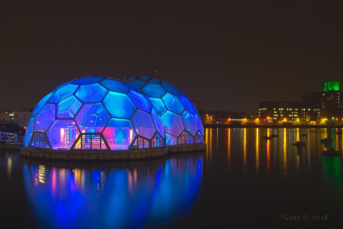De blauwe bollen - Weer eventjes zoomtijd. Hier nog een foto van de zoomavond Rotterdam. Dit is een hdr-foto en bestaat uit 5 belichtingen.  Allemaal bedankt voor de  - foto door Hans1969_zoom op 28-04-2018 - deze foto bevat: rotterdam, nachtfoto, hdr, avondfoto, rijnhaven, hans1969, blauwe bollen