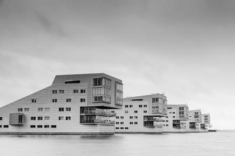 Sfinx huizen aan het gooimeer in Huizen