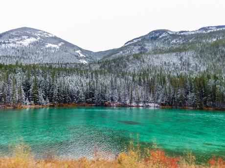 Smaragd groene meren van Canada