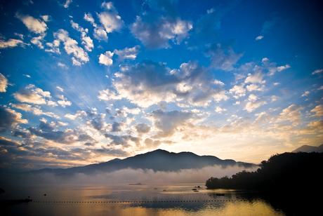 Zonsopgang Sunmoon Lake