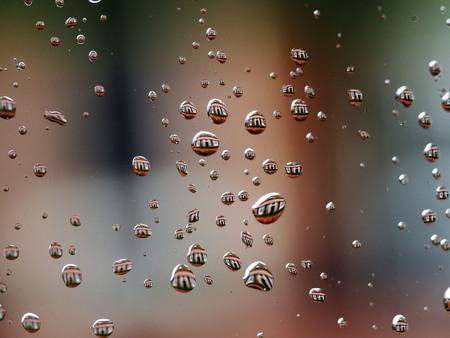 Regendruppels - spiegeling van overburen  ze boerderij. dank jullie wel voor fijne reactie groetjes Marij. - foto door marijke1234 op 17-02-2018