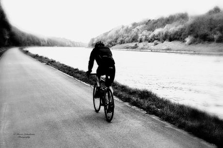 De eenzame fietser.