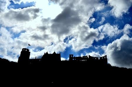 Heidelberg - Fort op de Heidelberg - foto door HarmJanMooiweer op 16-05-2014 - deze foto bevat: lucht, zon, kasteel, landschap, gebouw