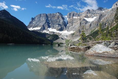 Cirque Lake Canada