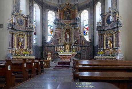 koor met 3 altaren 2009100301mw