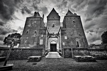 """""""L"""" - z/w hdr - foto door titz op 28-08-2011 - deze foto bevat: kastelen"""