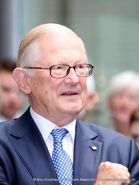 Mr. Pieter van Vollenhoven