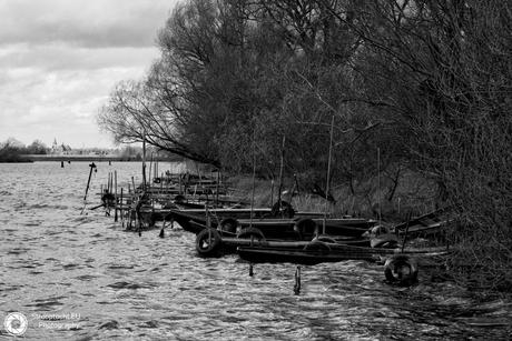 Asselt, vissersboten, zwart-wit
