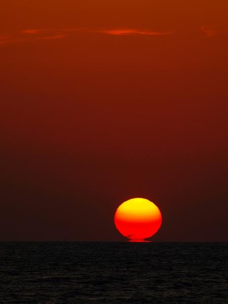 """Sunset Rhodos - Zonsondergang in Rhodos.  ThanX voor de reactie's op: """"Simi Harbor""""  Have A nice Day;)   Stan - foto door stanga op 04-11-2008 - deze foto bevat: stanga"""