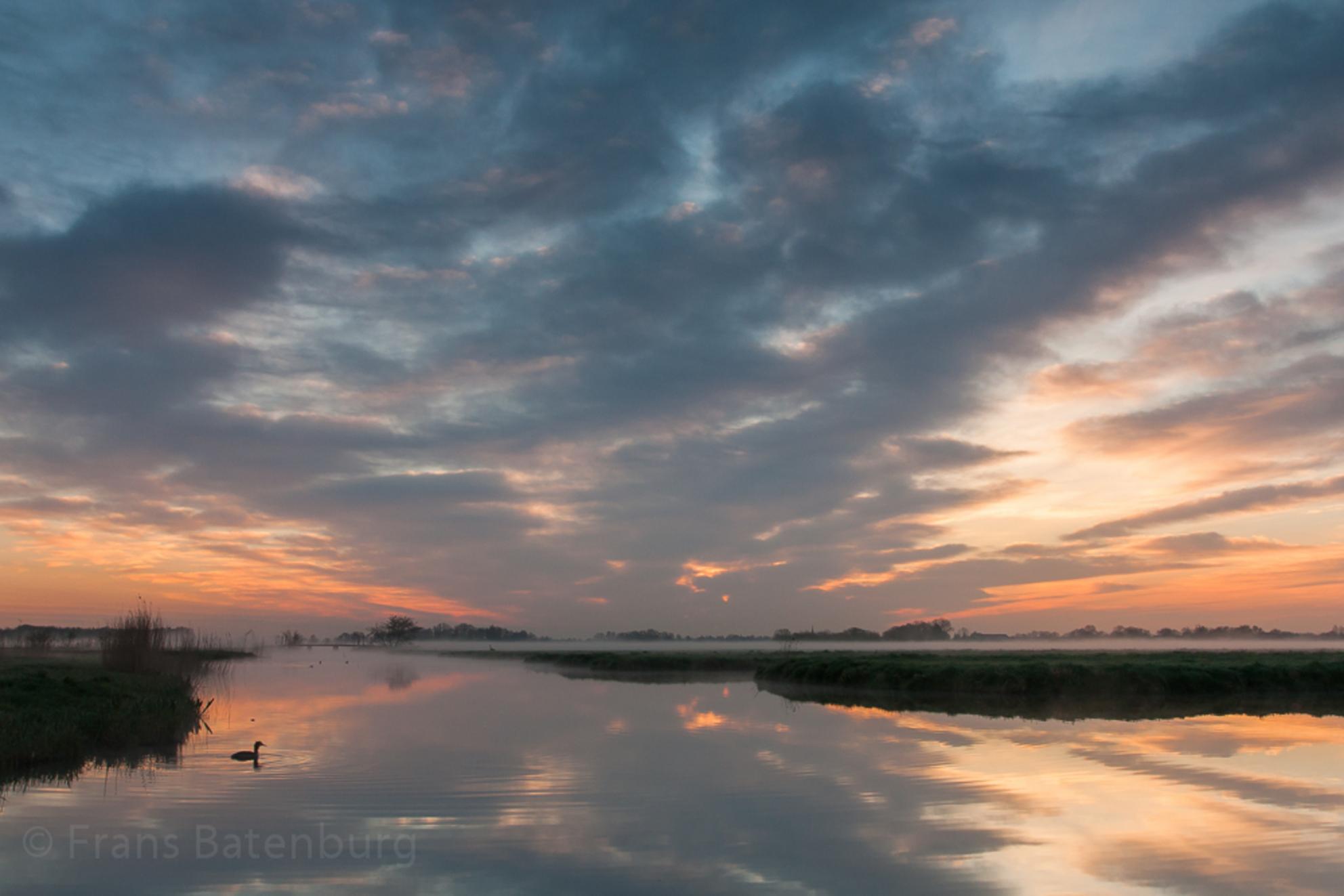 De Krimpenerwaard 27 - In de vroege morgen van Koninginnedag 2013 - foto door celtre op 01-05-2013 - deze foto bevat: wolken, zonsopkomst, polderlandschap, celtre, de krimpenerwaard