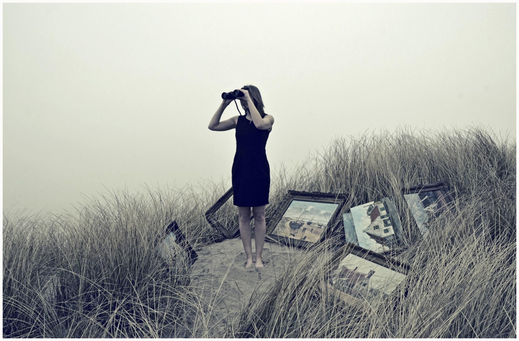 -Stolen Art- - Geïnspireerd door de kunstroof in Rotterdam......het verhaal over de ''Schilderijenverstopster''  Hans Vink - foto door hansvink_zoom op 10-04-2013 - deze foto bevat: strand, zee, sea, vink, duinen, model, noordwijk, hans, beach, summer, woman, sand, lclean - Deze foto mag gebruikt worden in een Zoom.nl publicatie