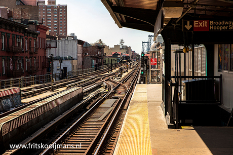 Subway Hewesstreet in New York
