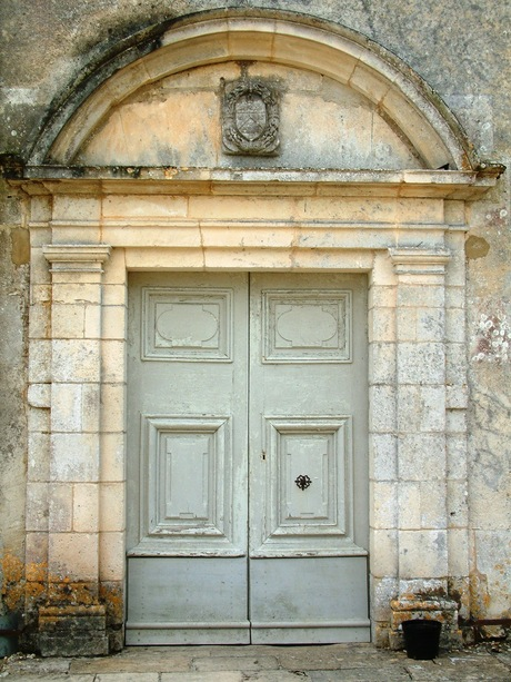 deur la Roche Courbon frankrijk