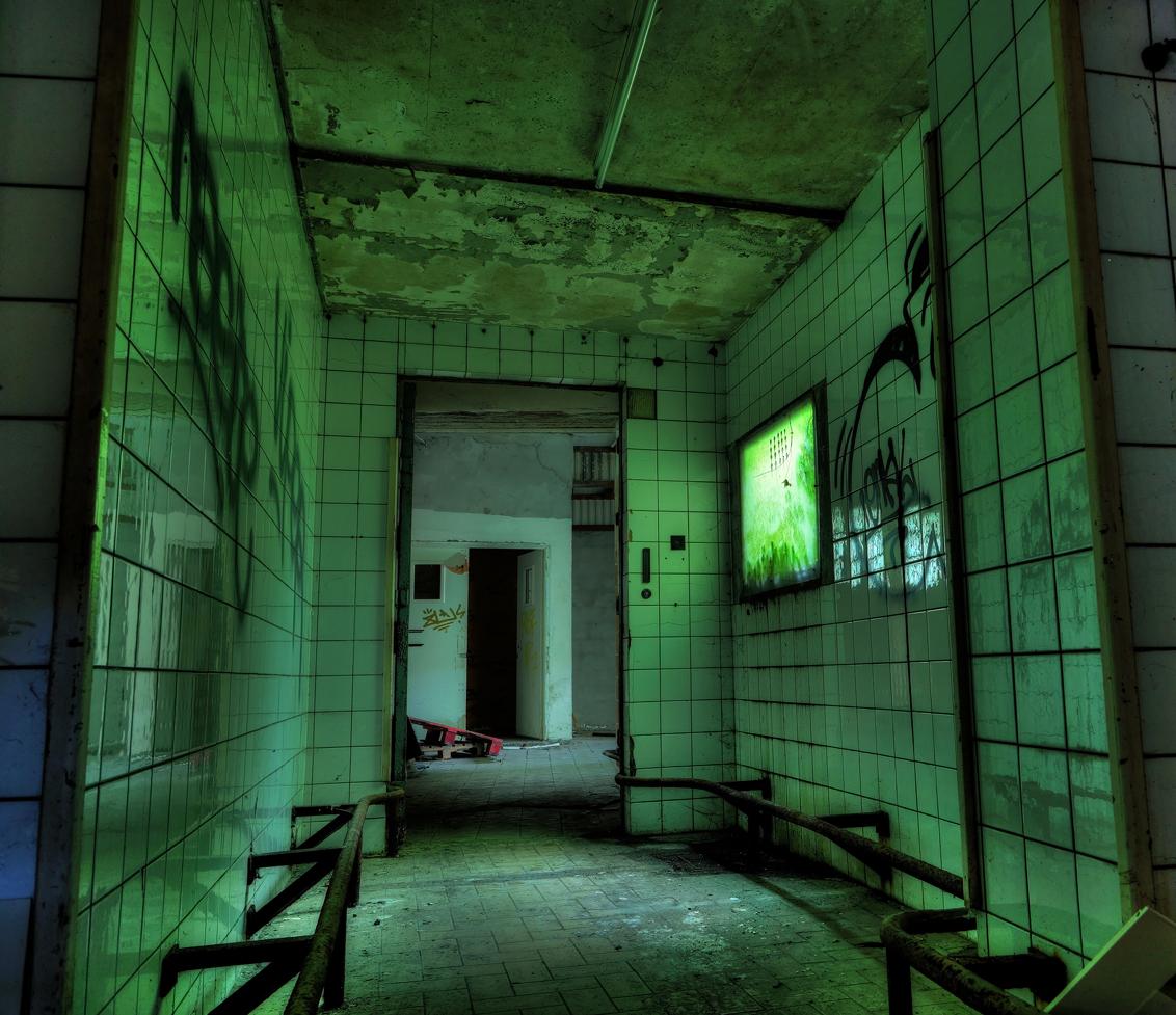 DSC00016_7_8_tonemapped - prison h15 - foto door dx3 op 08-11-2015 - deze foto bevat: urbex