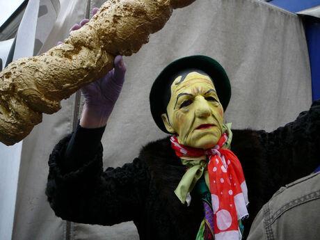 fries straatfestival. act maskerpersoon.jpg