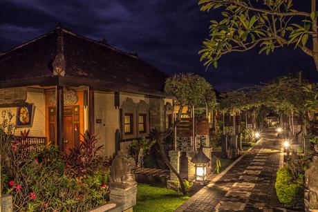 Sleeping at Lovina, Bali (Indonesia)