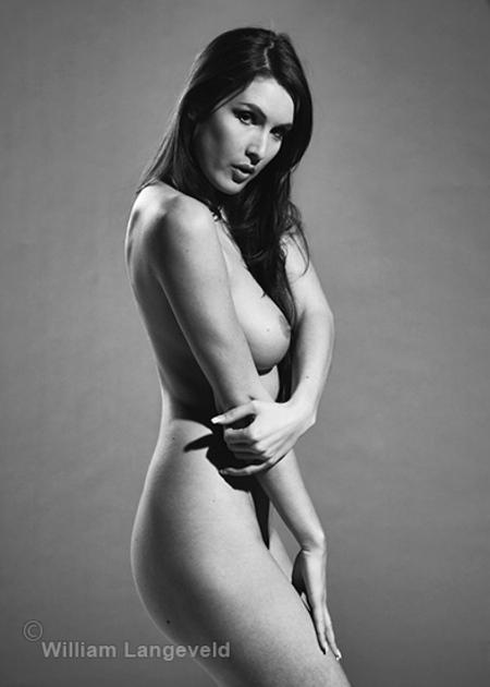 Nude - - - foto door william-langeveld op 25-02-2021 - deze foto bevat: vrouw, model, erotiek, naakt, zwartwit, fotoshoot