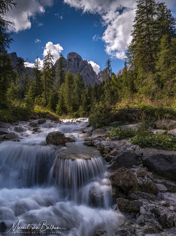 """Composed by Nature - Gecomponeerd door de prachtige natuur in de italiaanse dolomieten, ik heb er slechts met behulp van de Fujifilm en Kase filters een beeld van gemaakt - foto door mvbalkom op 08-09-2020 - deze foto bevat: natuur, bos, bomen, waterval, bergen, rivier, details, dolomieten, fujifilm, landschapsfotograaf, lange sluitertijd, marcel van balkom, filter fotografie, <img  src=""""/images/smileys/messed.png""""/>hotographer, kadefilters"""