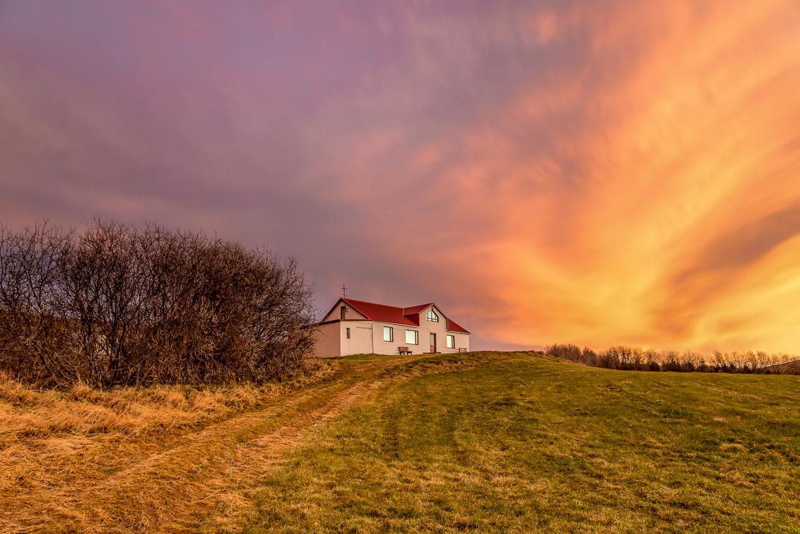 KOLUGLJUFUR - Prachtige kleuren tijdens de zonsondergang bij Kolugljúfur vidhidalstunga IJsland - foto door eddy-reynecke op 30-03-2019 - deze foto bevat: lucht, wolken, zon, natuur, herfst, avond, zonsondergang, vakantie, landschap, tegenlicht, storm, ijsland, bergen, iceland, lange sluitertijd, kolugljúfur