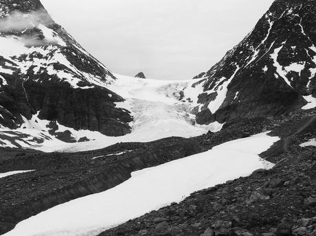 Steindalsbreen glacier