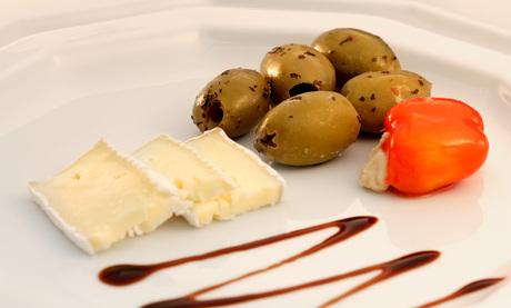 brie peperoni & olive