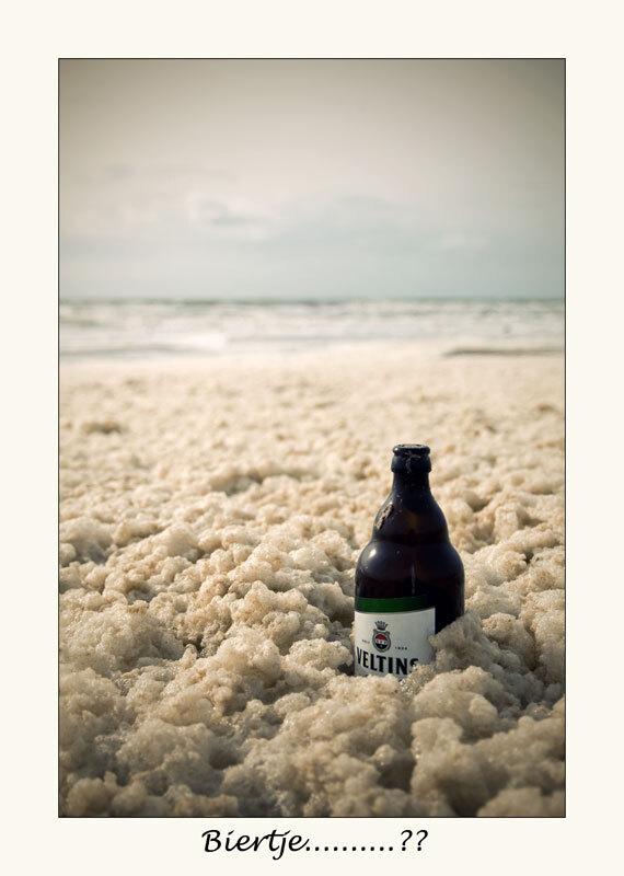 Biertje............?? - -- - foto door Madeliefje_zoom op 18-05-2011 - deze foto bevat: bier, strand, zee, schuim, flesje