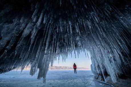 IJsgrot bij het Baikalmeer